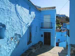 Entire Village Painted Blue for Smurfs Movie Launch - CasaEnChilches.com