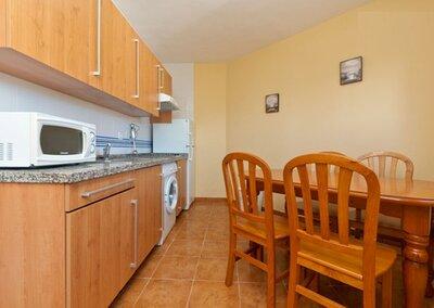 Cocina y comedor -Apartamento Granada-