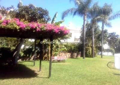 Jardins e áreas comuns, piscina
