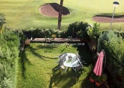 Vistas da casa e jardim privado