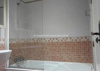 Casa de banho com banheira
