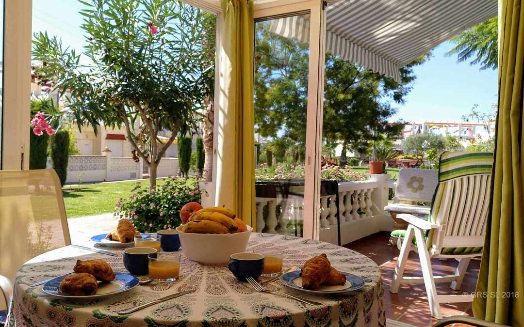 """Pacifico"" apartment for 5 people, winter terrace, pool, BBQ in Torrox"