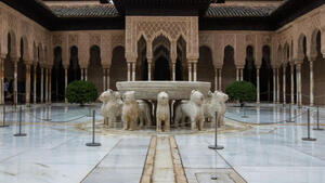 Guided tour of the Alhambra and Generalife - CasaEnChilches.com