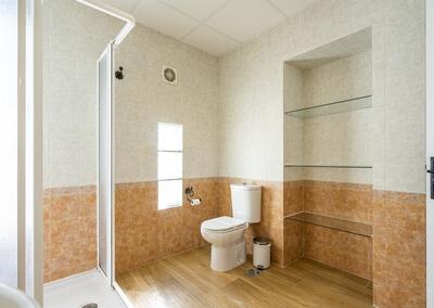 Cuarto de baño del Apartamento Huelva tras la reforma en el año 2020