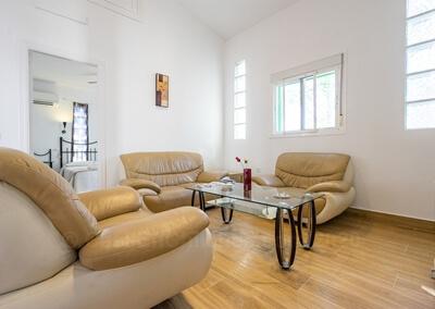 Cocina y sala de estar del Apartamento Huelva en Finca Buenavista 2020